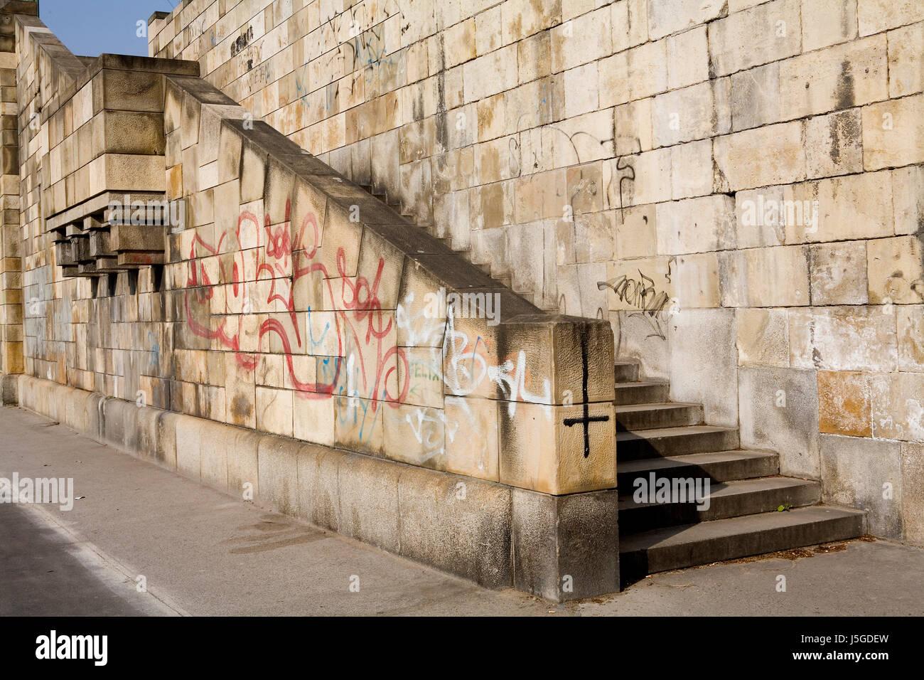 art vienna channel wall danube paint dock aerosol to paint blight artist Stock Photo