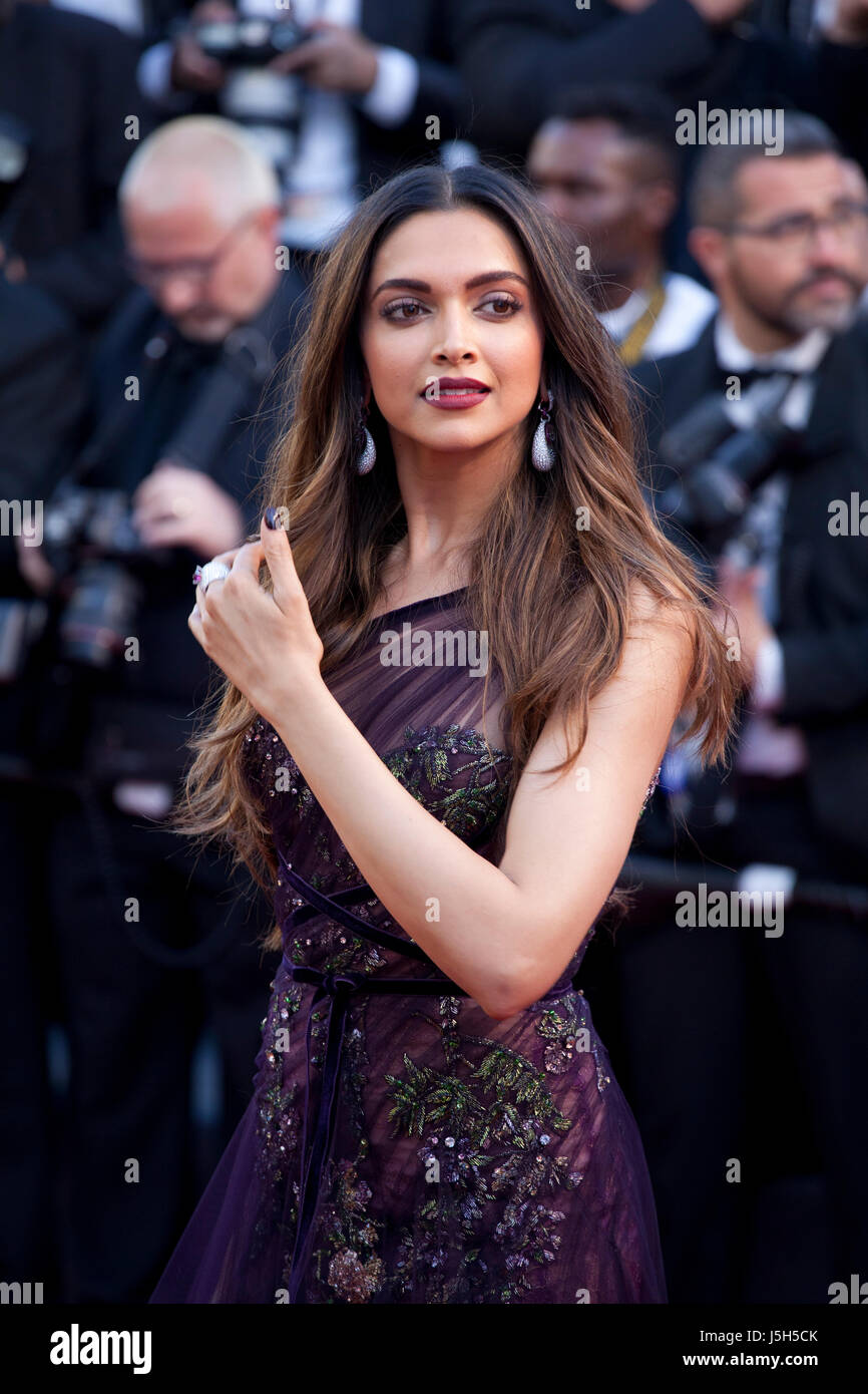 Deepika padukone at the opening ceremony of 70th cannes film festival nudes (14 photo), Sideboobs Celebrity pictures