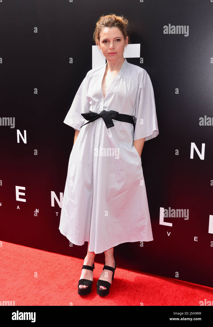 Amy Seimetz 032 arriving at the Alien Premiere at the TCL Chinese Theatre in Los Angeles. May 17, 2017. - Stock Image