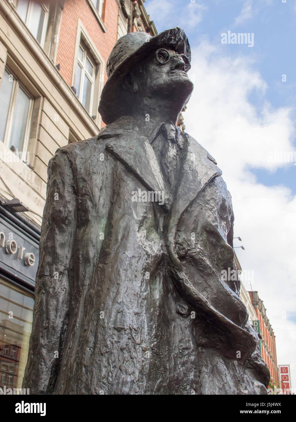the James Joyce statue on Talbot Street in Dublin, Ireland - Stock Image