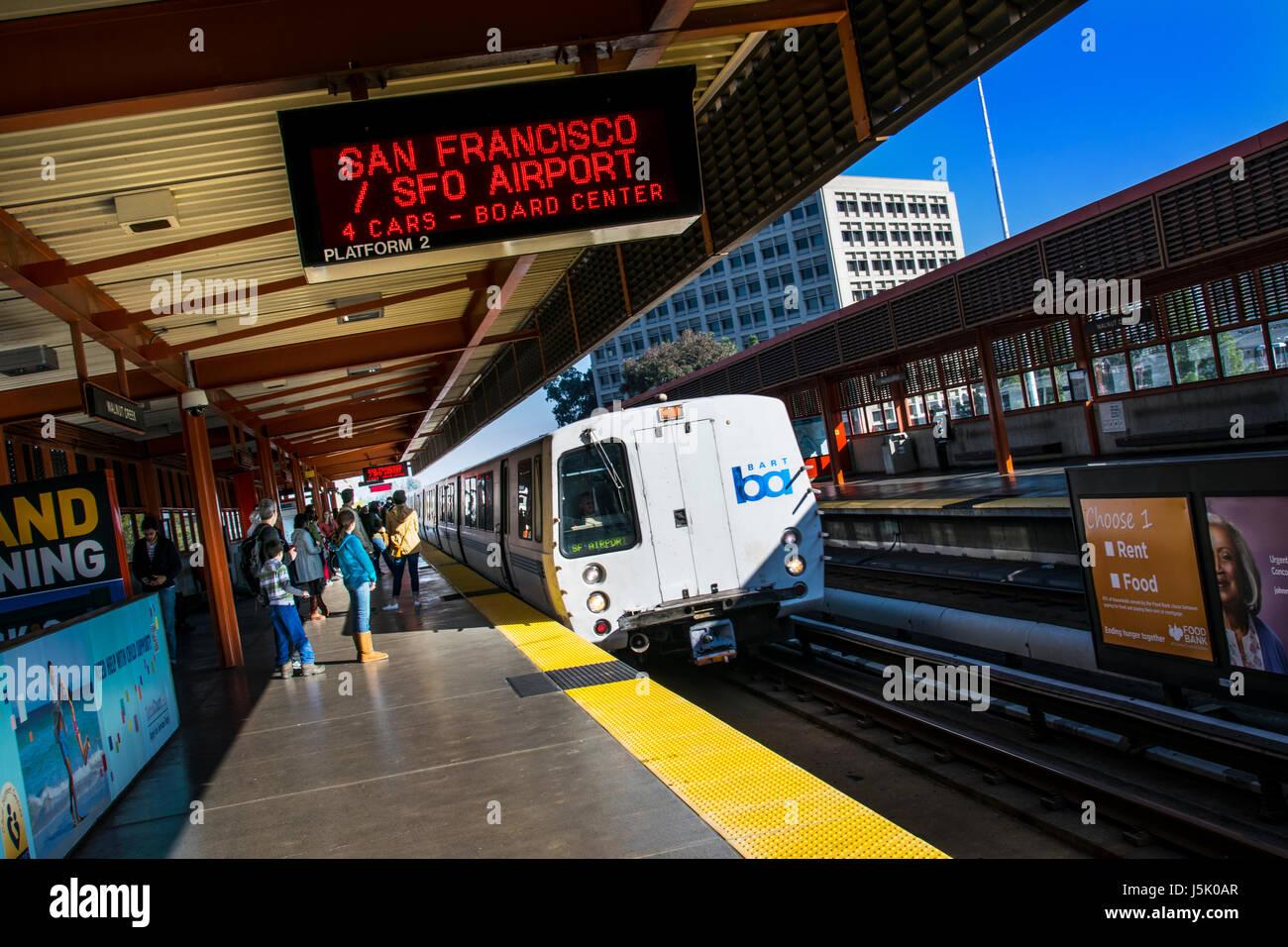 San Francisco BART train arriving at Walnut Creek. 'Bay Area Rapid Transit' train system servicing San Francisco - Stock Image