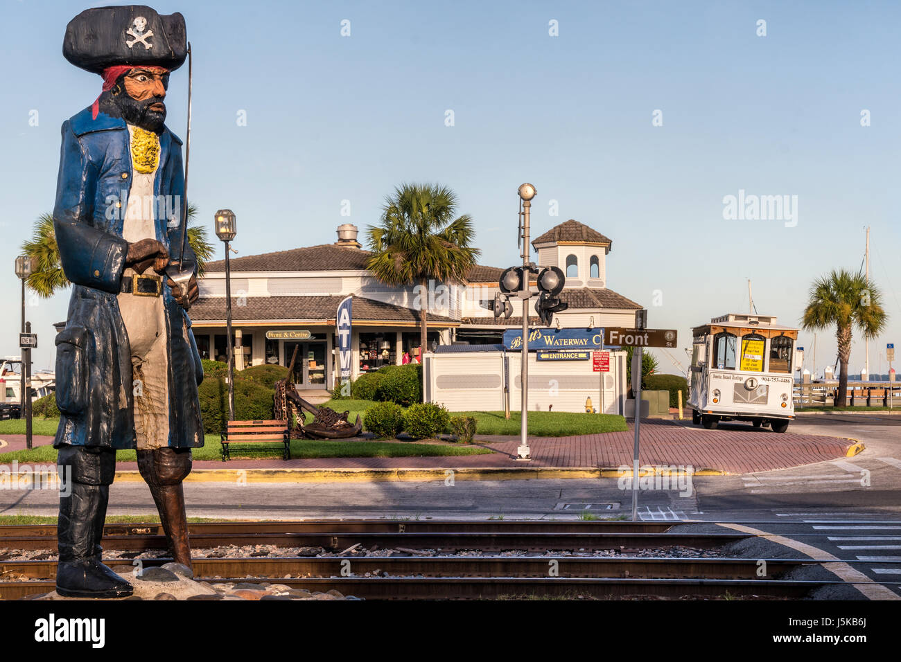 Peg Leg Pete Pirate Statue on Front and Centre Streets in Fernandina Beach, Florida - Stock Image