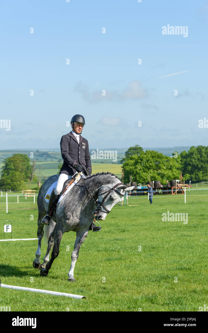 Rockingham Castle, Corby, England. 18th May 2017. Andrew Nicholson, a New Zealand olympic rider, prepares for the Stock Photo