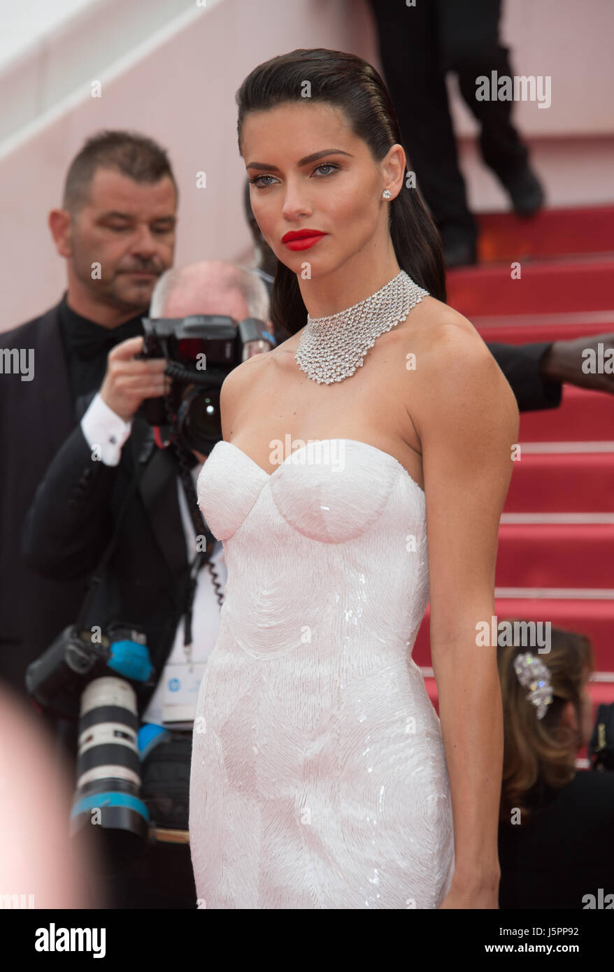 Cannes, France. 18th May, 2017. CANNES, FRANCE. May 18, 2017: Adriana Lima at the premiere for 'Loveless' - Stock Image