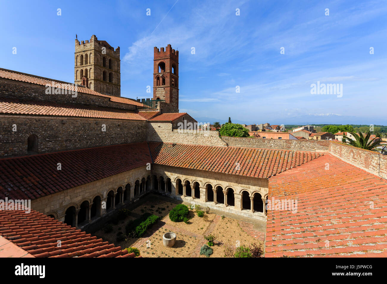 France, Pyrenees Orientales, Elne, Elne Cathedral, Romanesque cloister - Stock Image