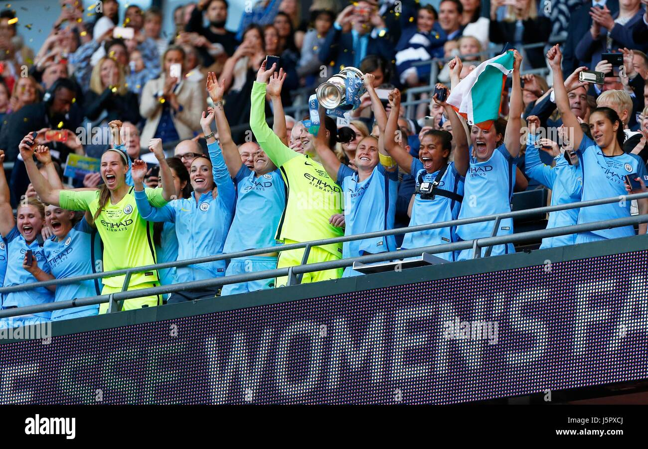 Manchester City Women lift the cup after winning the SSE Women's FA Cup Final match between Birmingham City - Stock Image