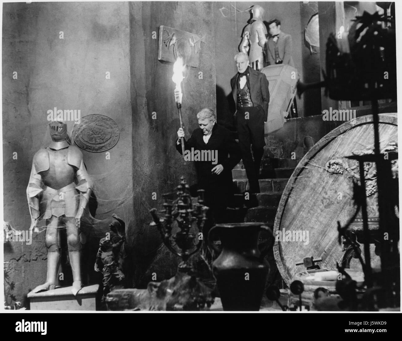 Harry Ellerbe, Vincent Price, Mark Damon, on-set of the Film, 'House of Usher', 1960 - Stock Image