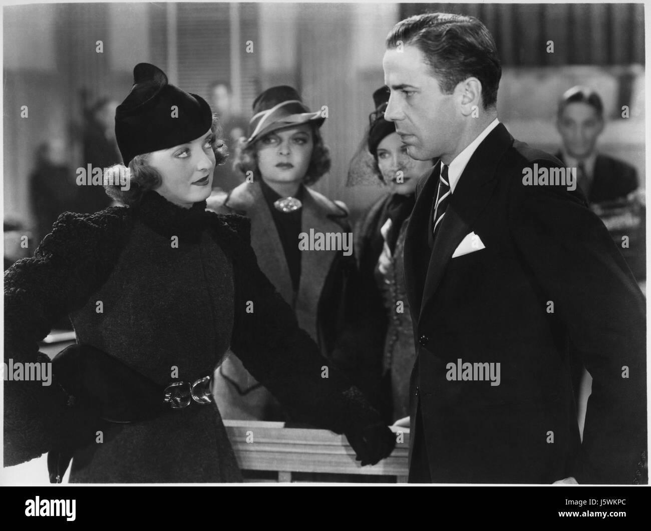 "Bette Davis, Humphrey Bogart, on-set of the Film,  ""Marked Woman"", Warner Bros., 1937 - Stock Image"