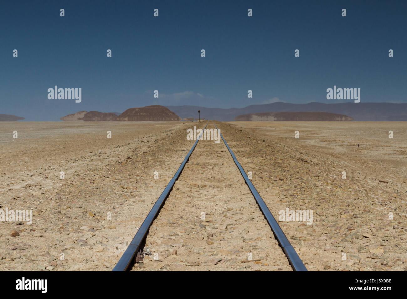 Rail track through the desert, Altiplano, Bolivia - Stock Image