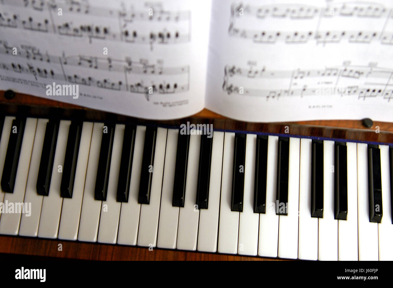keyboard piano scale sound musical instrument black swarthy jetblack deep black - Stock Image