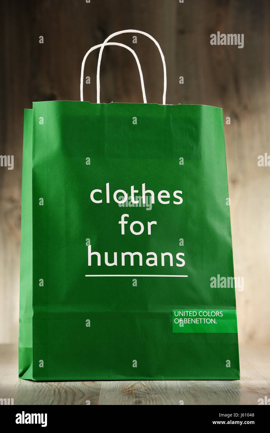 recluta evaporación Rico  POZNAN, POLAND - NOV 3, 2016: Benetton Group S.r.l. is a global Stock Photo  - Alamy