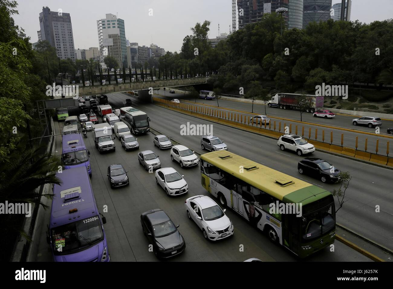 Vehicles circulate during the third day of the ozone environmental emergency in Mexico City, Mexico, 18 May 2017. - Stock Image