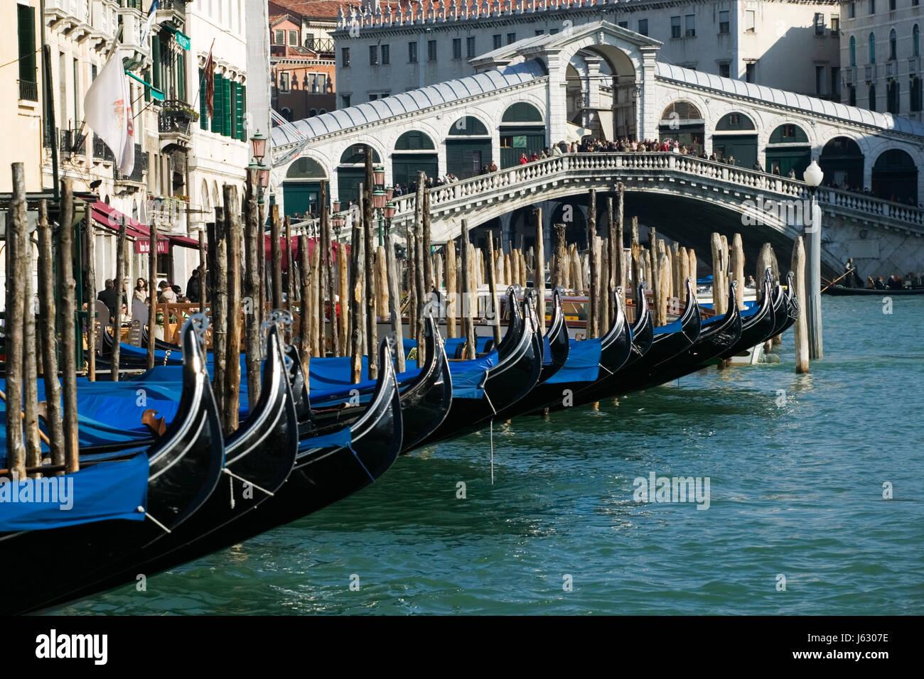 bridge processor magnifico bridge venice gondolas channel venice gondolas canal Stock Photo