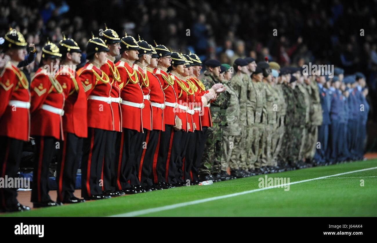 MEMBERS OF THE ARMED FORCES ASTON VILLA V MANCHESTER UNITE VILLA PARK BIRMINGHAM ENGLAND 10 November 2012 - Stock Image