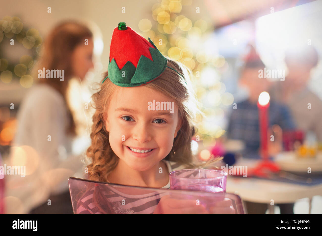 3feda671d2bb2 Paper Crown Stock Photos   Paper Crown Stock Images - Page 3 - Alamy