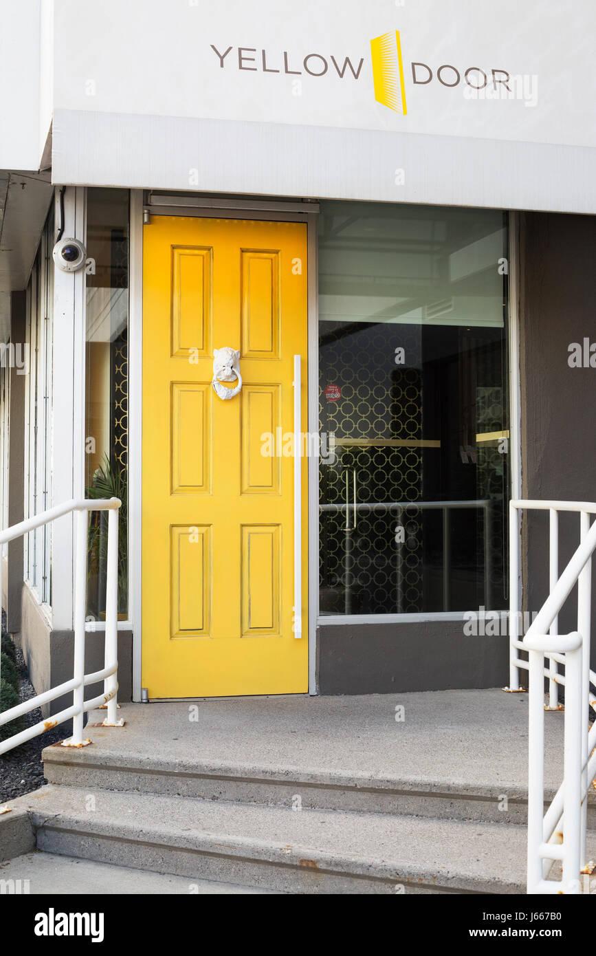 Yellow Door Bistro at Hotel Arts - Stock Image