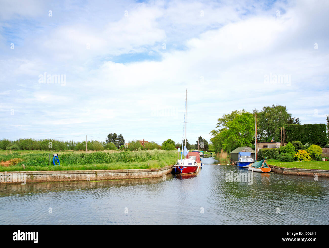 A view of West Somerton Staithe on the Norfolk Broads at West Somerton, Norfolk, England, United Kingdom. - Stock Image