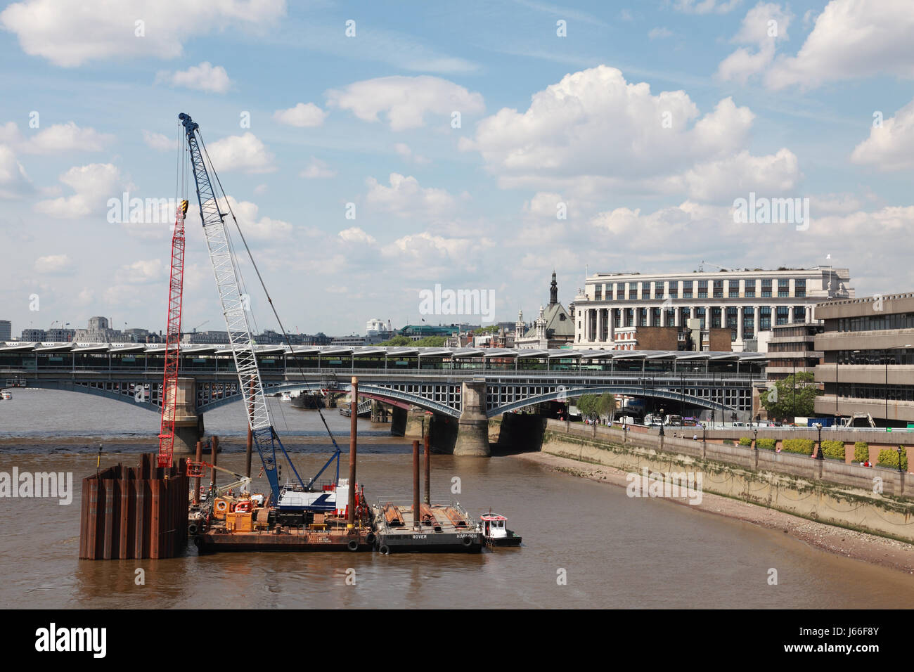 Early work on the Thames Tideway Tunnel project to build a super sewer minaly under the bed of the river Thames - Stock Image
