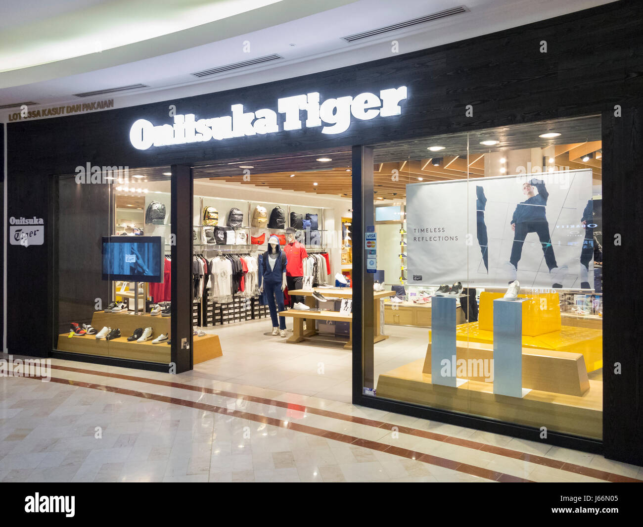 on sale 91b5f 9ebb8 Onitsuka tiger shop, Malaysia Stock Photo: 141519061 - Alamy