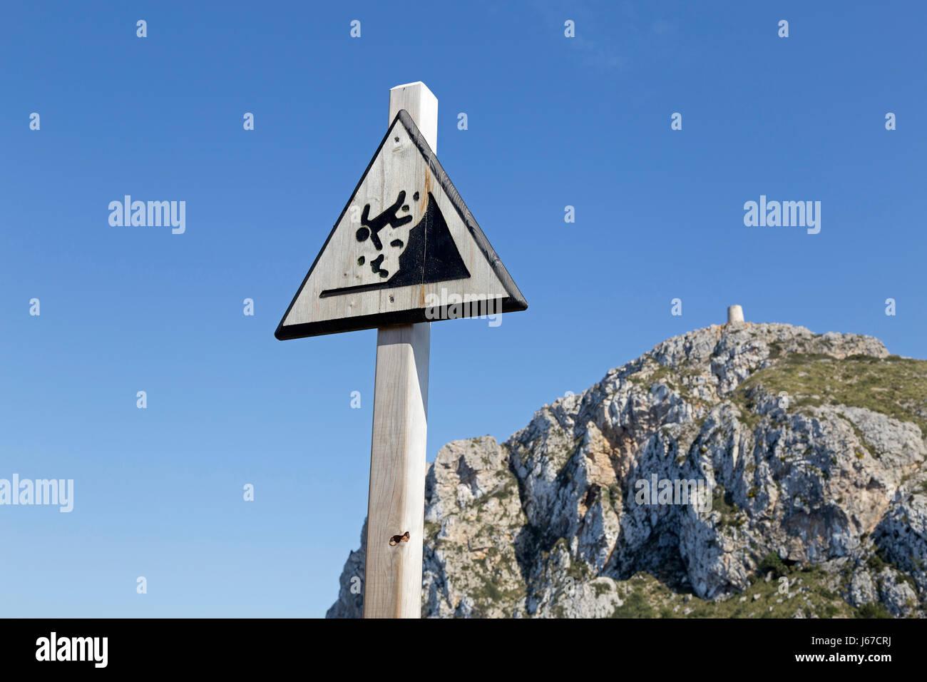 warning sign at the viewpoint mirador punta de la nao on Formentor Peninsula, Majorca, Spain Stock Photo