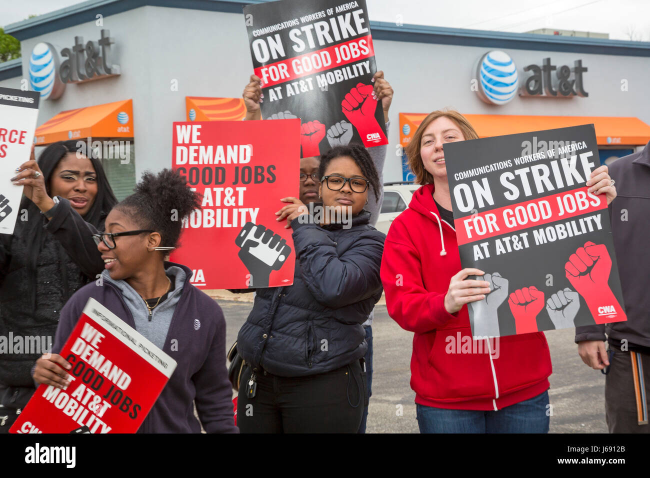 Roseville, Michigan, USA. 19th May, 2017. Forty thousand workers at AT&T Mobility, which provides wireless service Stock Photo