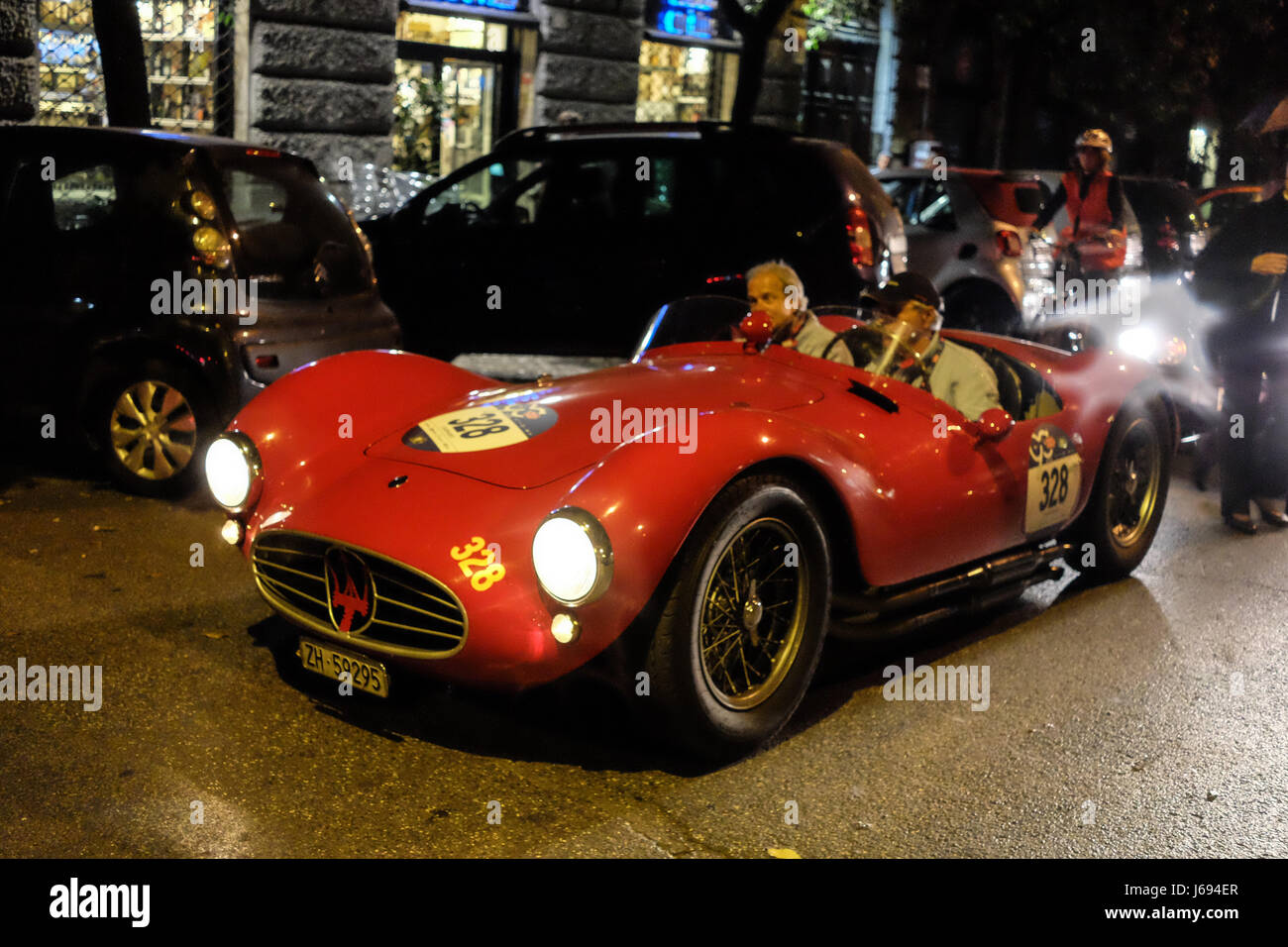 Rome, Italy. 19th May, 2017. The arrival of the 440 classic cars in Via Veneto in Rome for the Mille Miglia 2017 - Stock Image