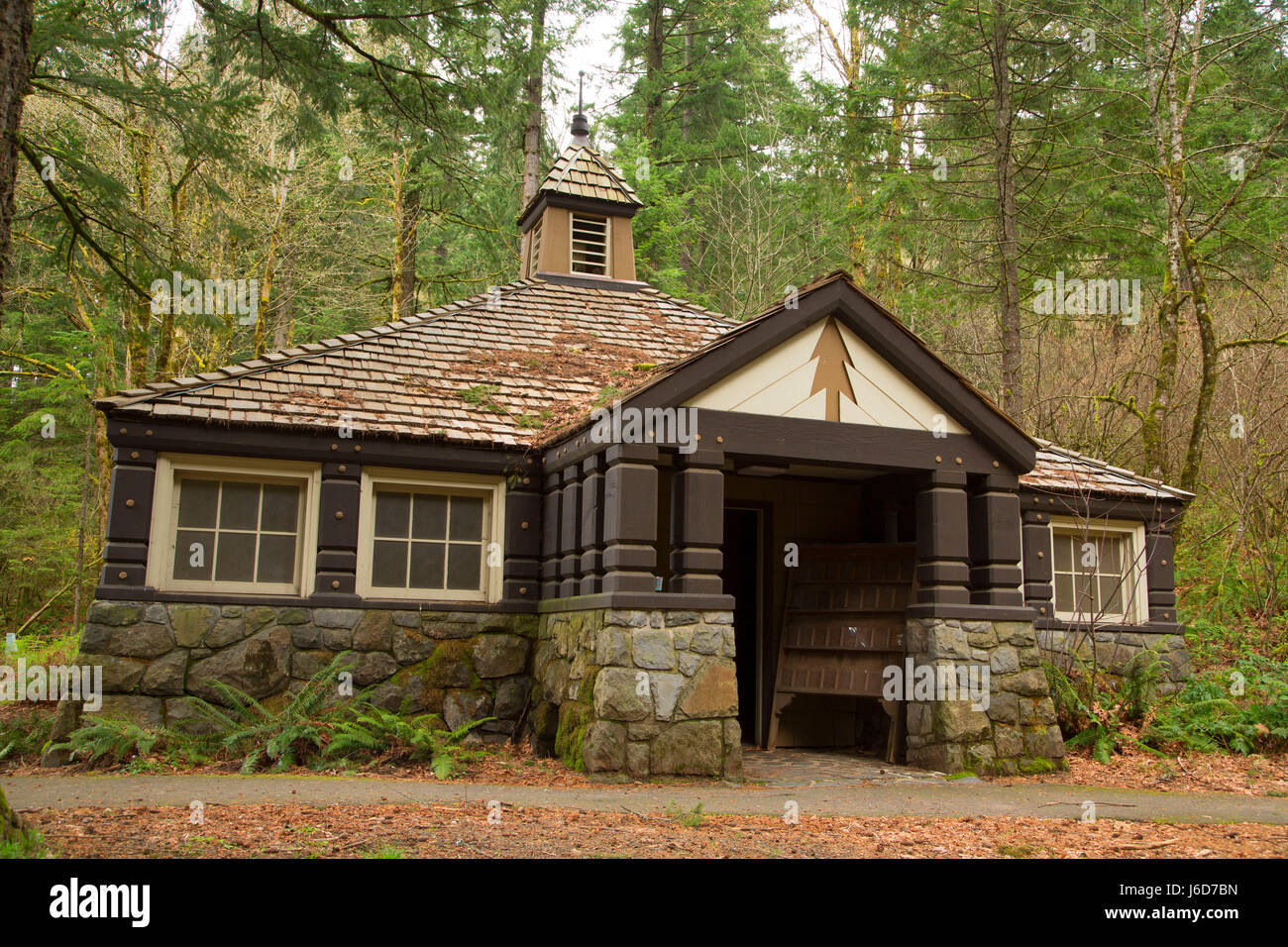 Restrooms at Eagle Creek, Mt Hood National Forest, Columbia River Gorge National Scenic Area, Oregon - Stock Image
