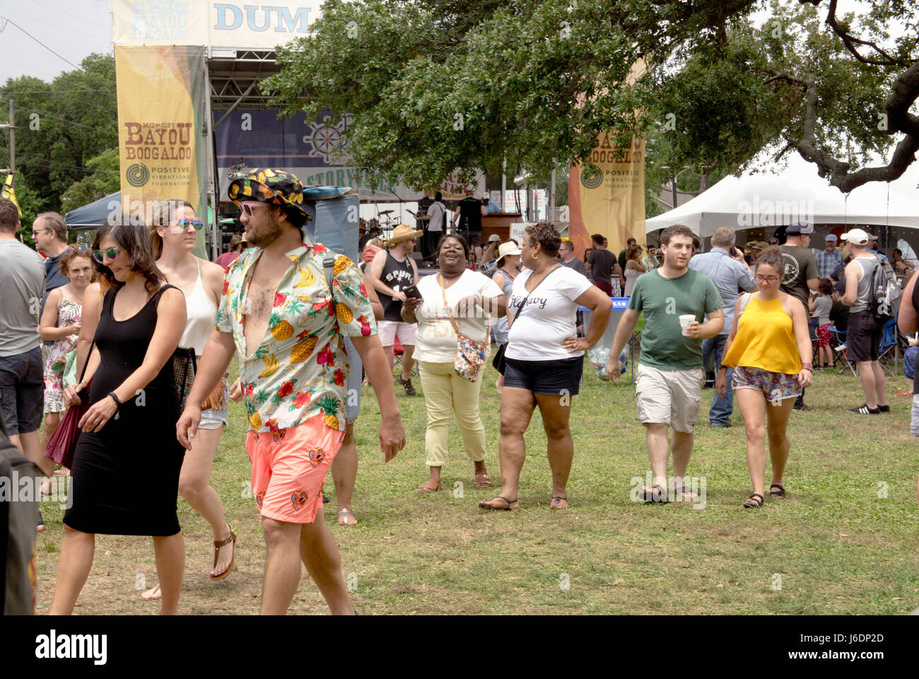 Crowds wandering along bayou St. John at the annual Bayou Boogaloo Festival.  New Orleans, LA. - Stock Image