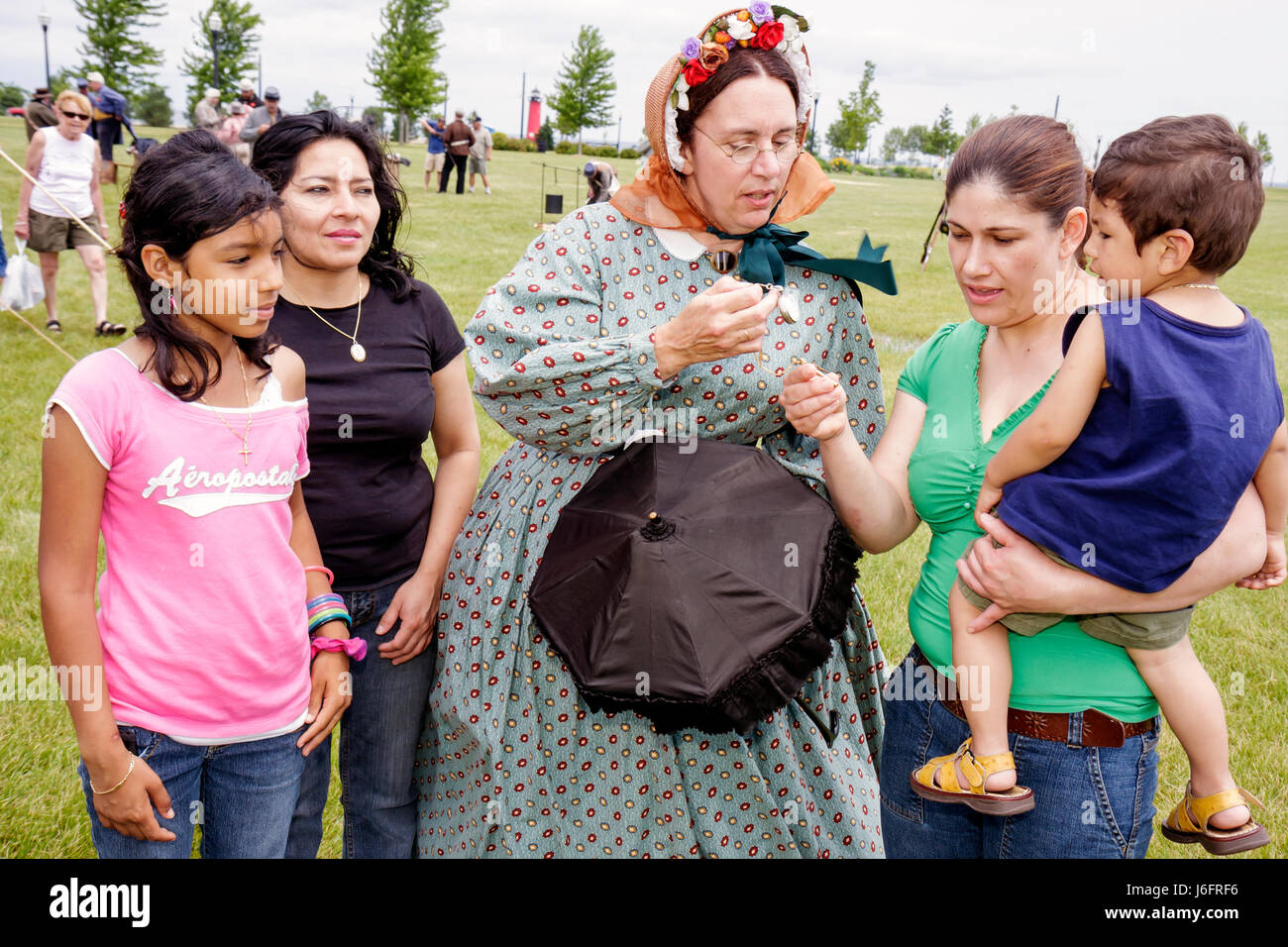 Wisconsin Kenosha Civil War Museum Civil War Days muster Park City Grays Hispanic woman women boy girl family education - Stock Image