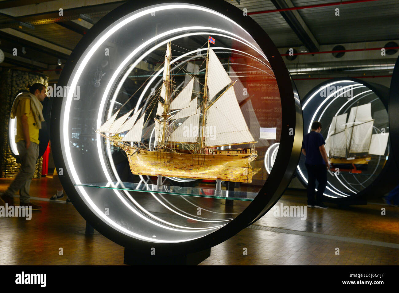 Berlin, Germany. 21st May, 2017. Visitors looking at ship models in the German Technology Museum during the International - Stock Image