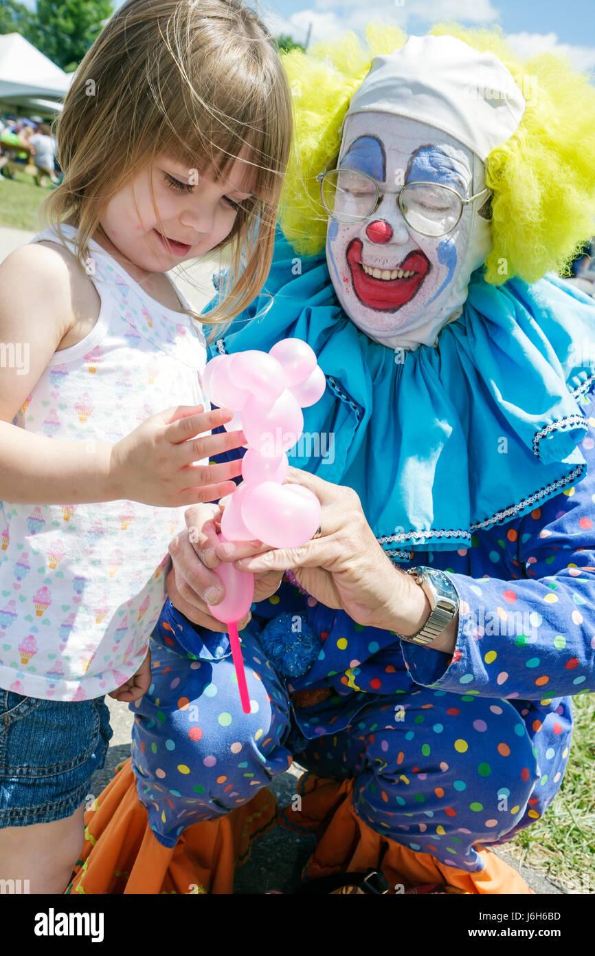 Wisconsin Kenosha Kenosha County Fairgrounds The Ultimate Kid Fest family event Bippy the Clown carnival balloon - Stock Image
