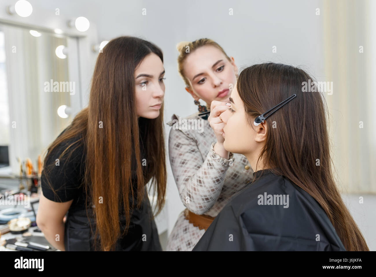 Makeup Course At Beauty School Professional Makeup Artist Conducts