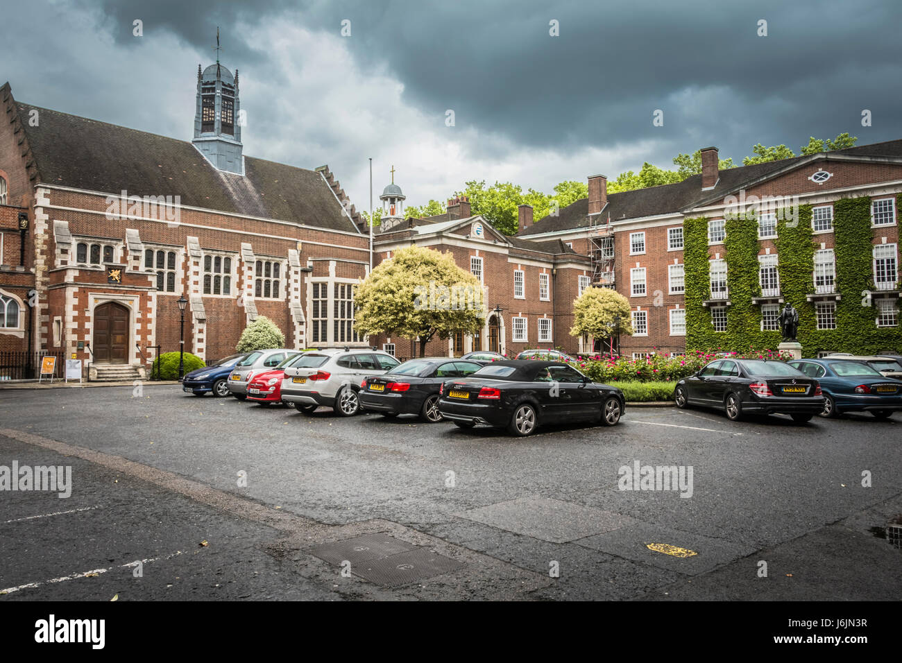 Gray's Inn Hall and South Square Gardens, London, UK - Stock Image