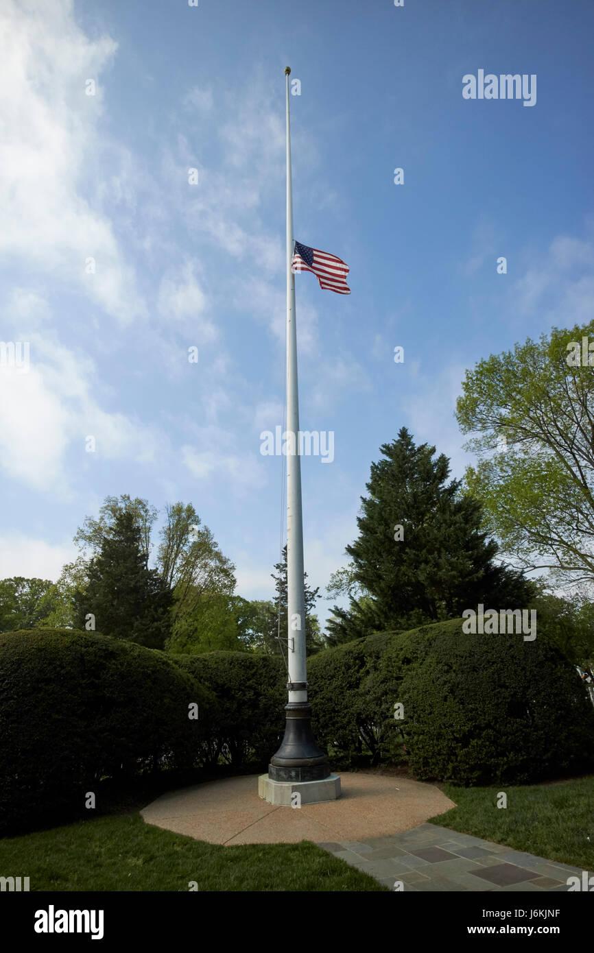 woodhull memorial flagpole with flag at half mast arlington cemetery Washington DC USA - Stock Image