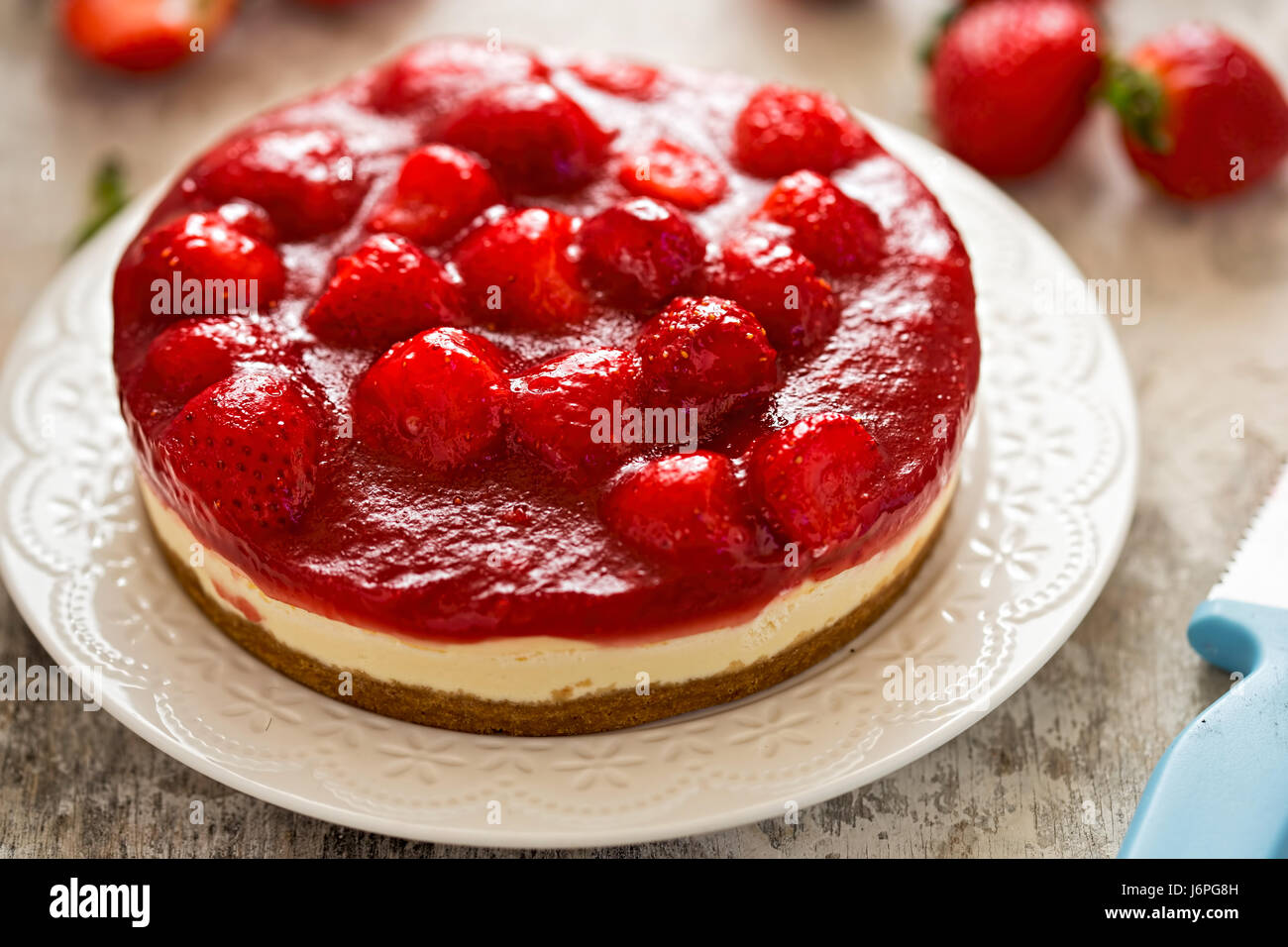 Strawberry cheesecake on shortcrust pastry - Stock Image