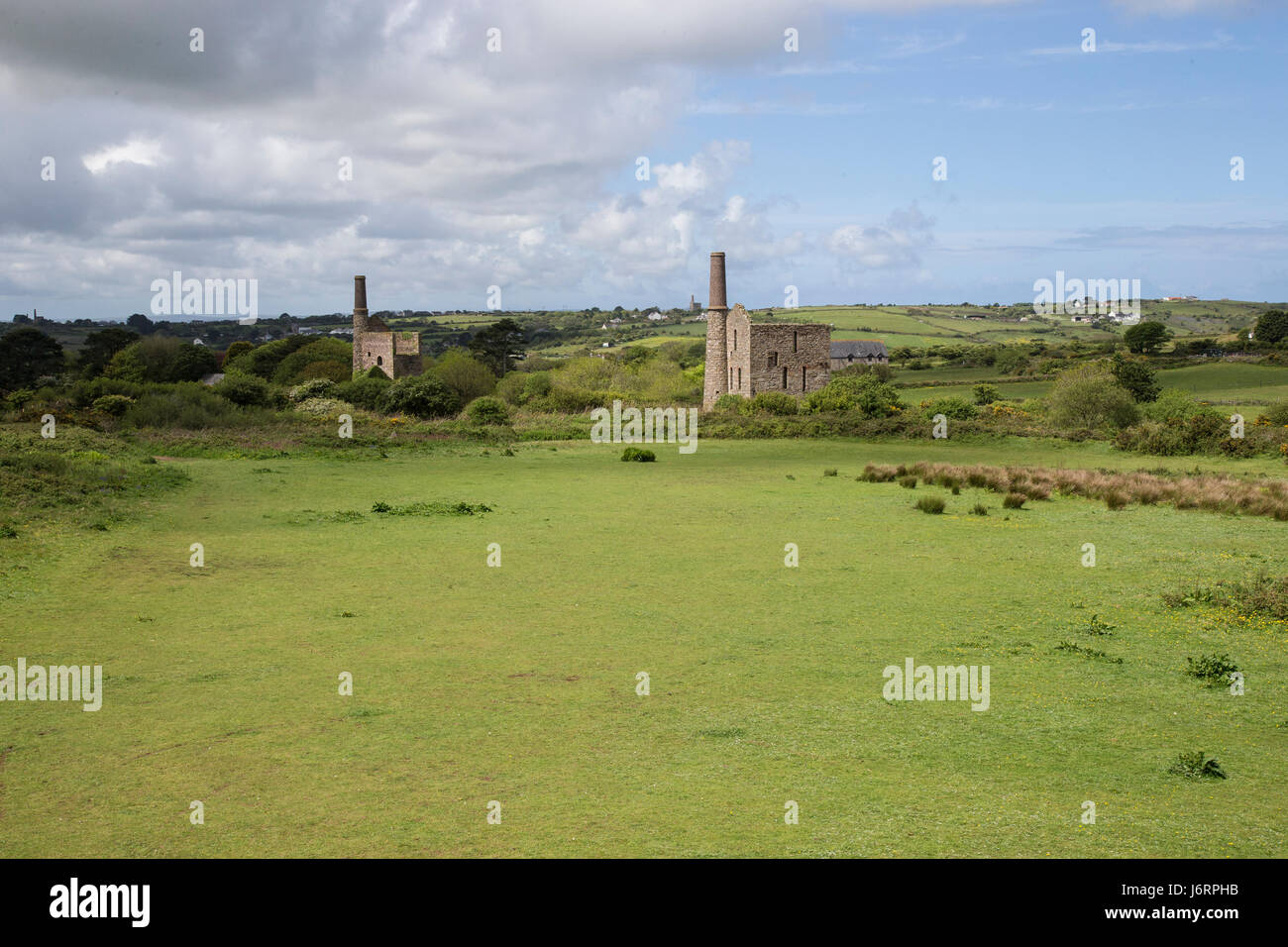 Disused tin mines on Cornwall's Great Flat lode trail - Stock Image