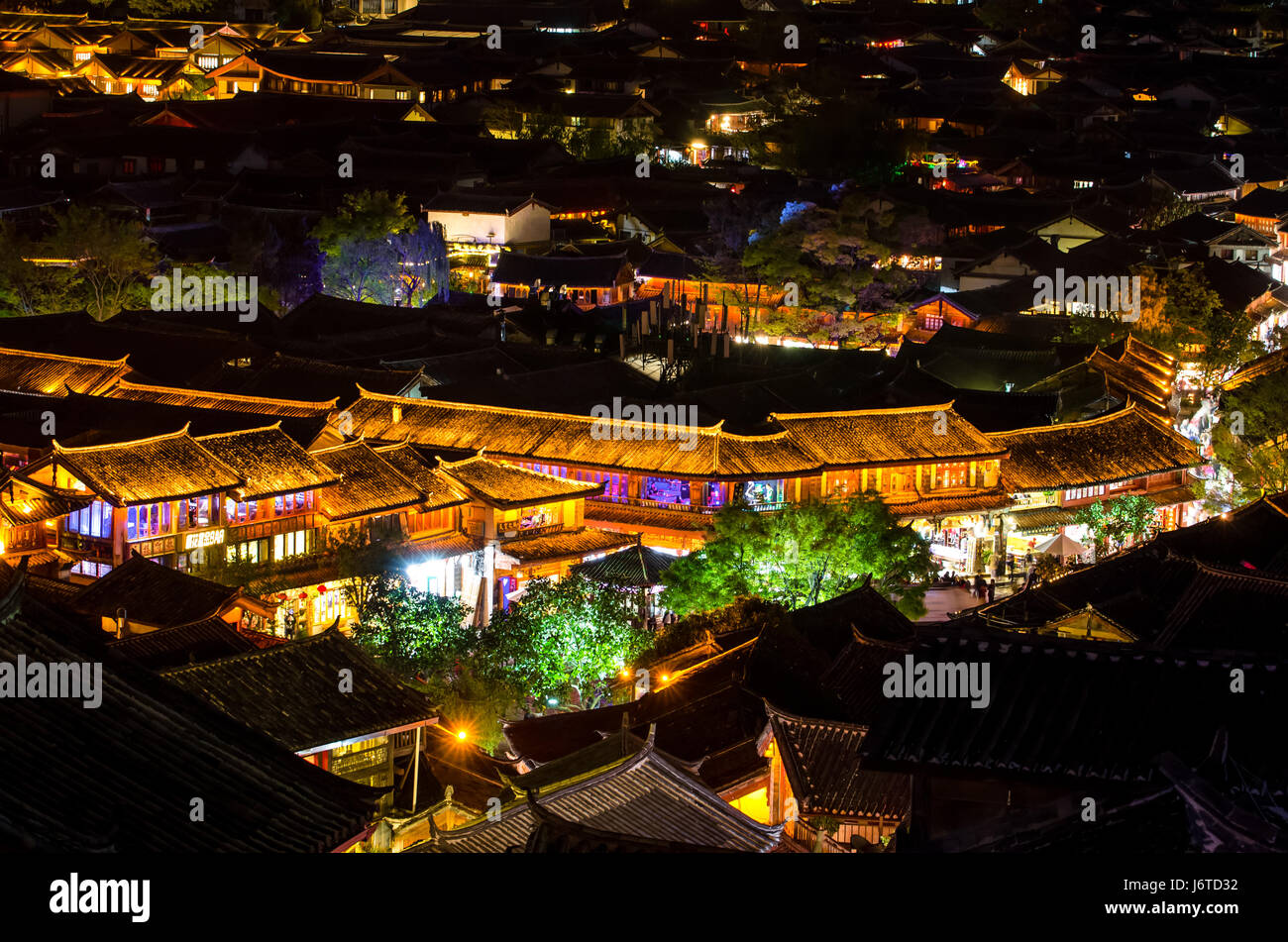 Lijiang, China - April 10,2017 : Bird eye view of local historical architecture roof building of Old Town of Lijiang - Stock Image