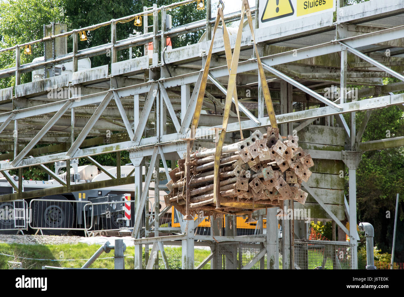Construction work repairing the lock at East Farleigh on the River Medway, Kent,UK - Stock Image