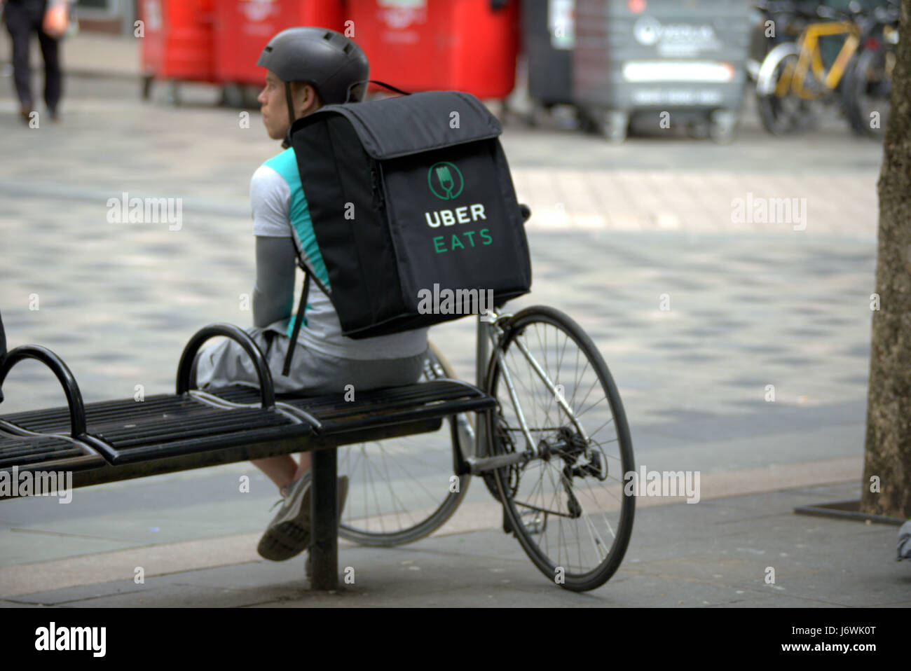 uber eats bike delivery