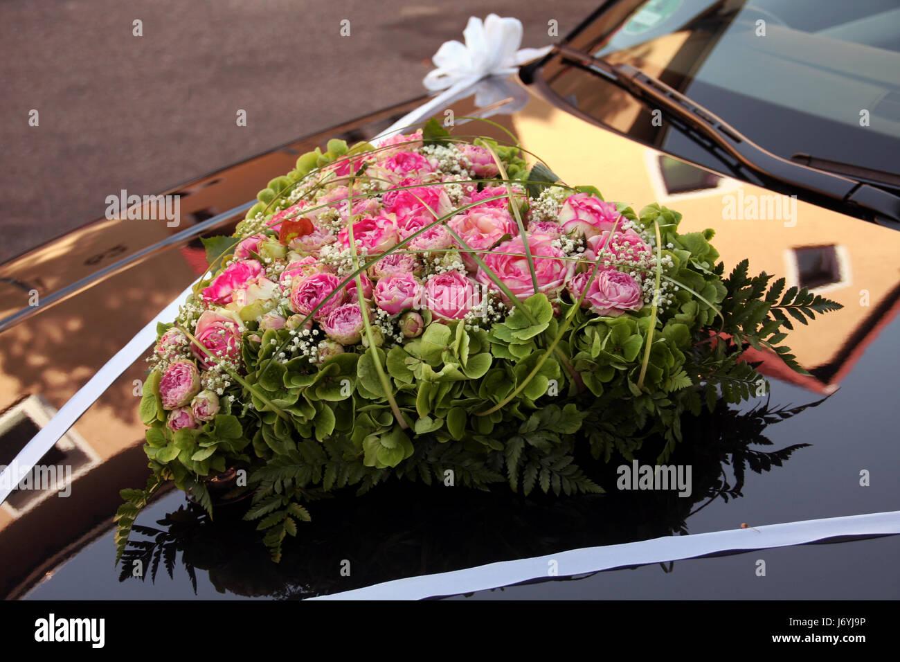 Blumen Bouquet Eheschlieung Blumengebinde Gebinde Rosen Auto