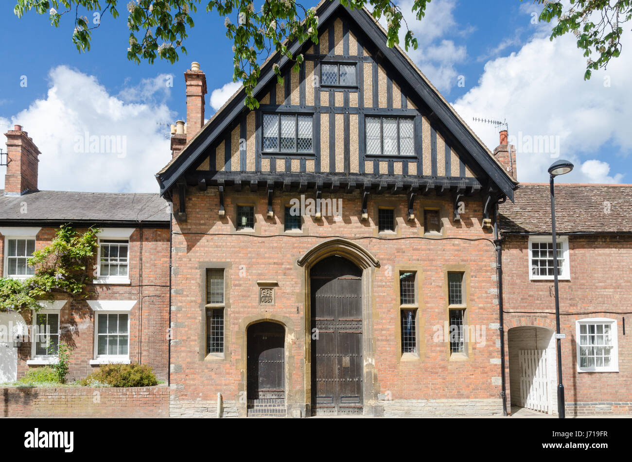 Old red brick building part timber framed in Stratford-u[on-Avon, Warwickshire Stock Photo