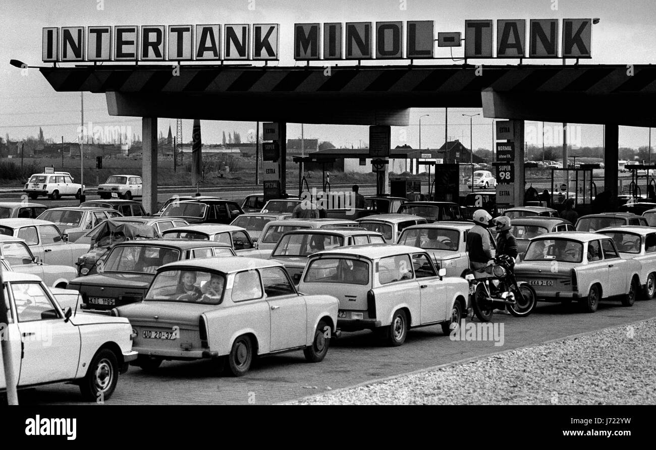 Leipzig in what was then East Germany 13 November 1989. Queueing for fuel on the motorway, autobahn outside Leipxig. - Stock Image