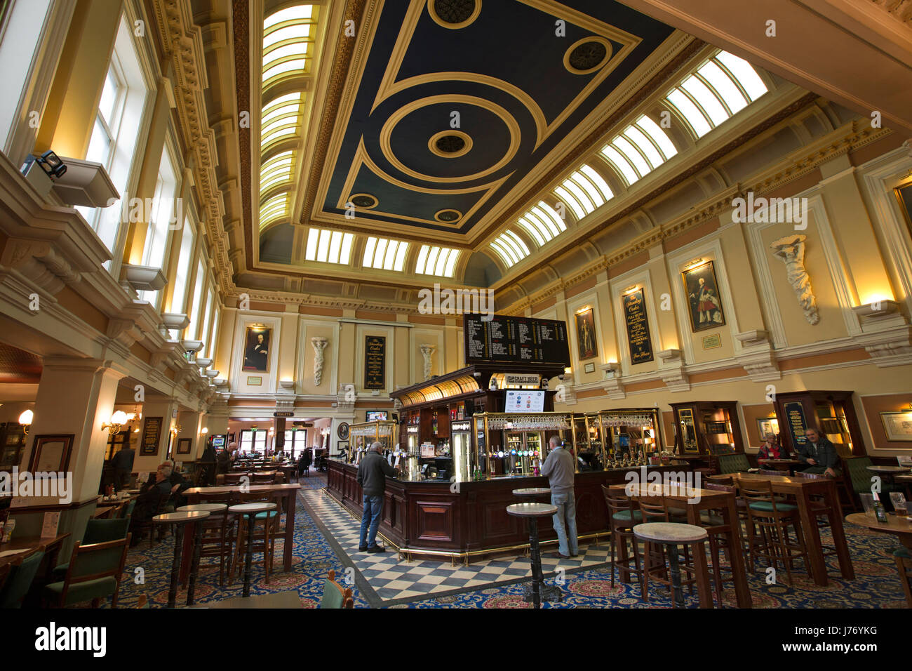 UK, England, Derbyshire, Derby, Iron Gate, Standing Order pub interior, in former Crompton & Evans Union Bank - Stock Image