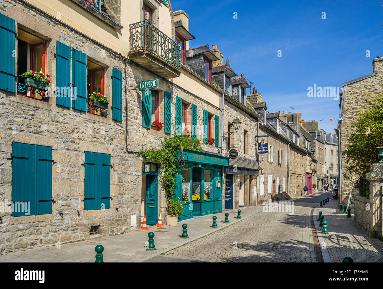 France, Brittany, Finistére department, Roscoff, the picturesque architecture of its granite houses has earned Roscoff Stock Photo