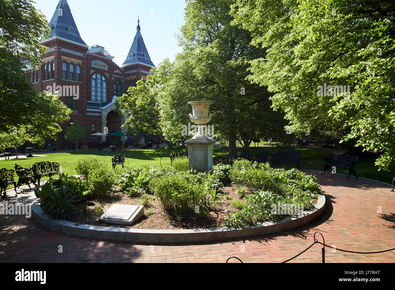 smithsonian arts and industries building and enid haupt gardens Washington DC USA - Stock Image