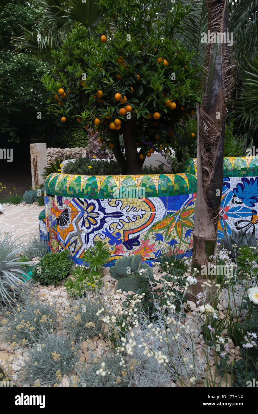 Chelsea, London, UK. 23rd May 2017. Sarah Eberle's Viking Cruises Garden of Inspiration, inspired by Barcelona and Stock Photo
