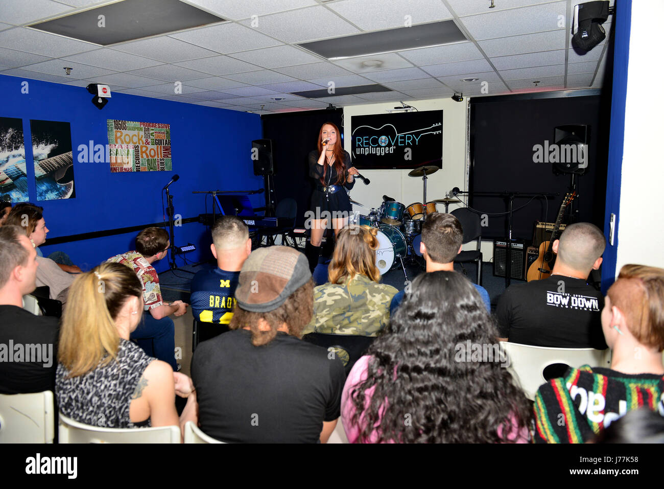 Fort. Lauderdale, FL, USA. 23rd May, 2017. Singer Kendra Erika performs at Recovery Unplugged Treatment Center on May 23, 2017 in Ft. Lauderdale, Florida. Credit: Mpi10/Media Punch/Alamy Live News Stock Photo