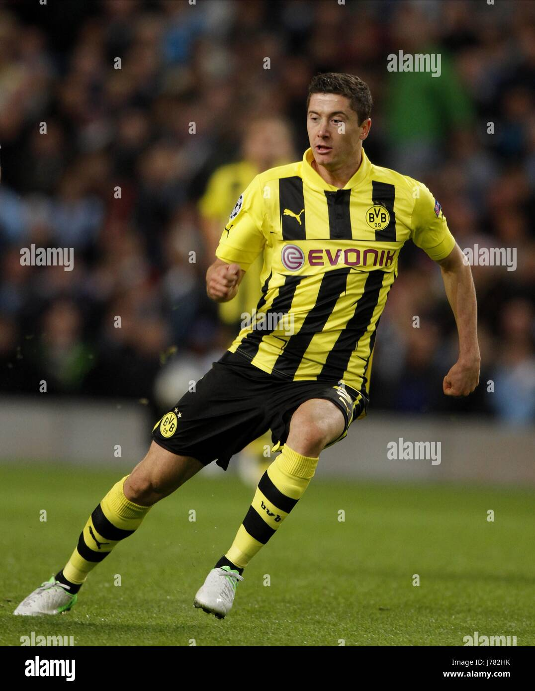 uk availability ae995 bd2fa ROBERT LEWANDOWSKI BORUSSIA DORTMUND ETIHAD STADIUM ...