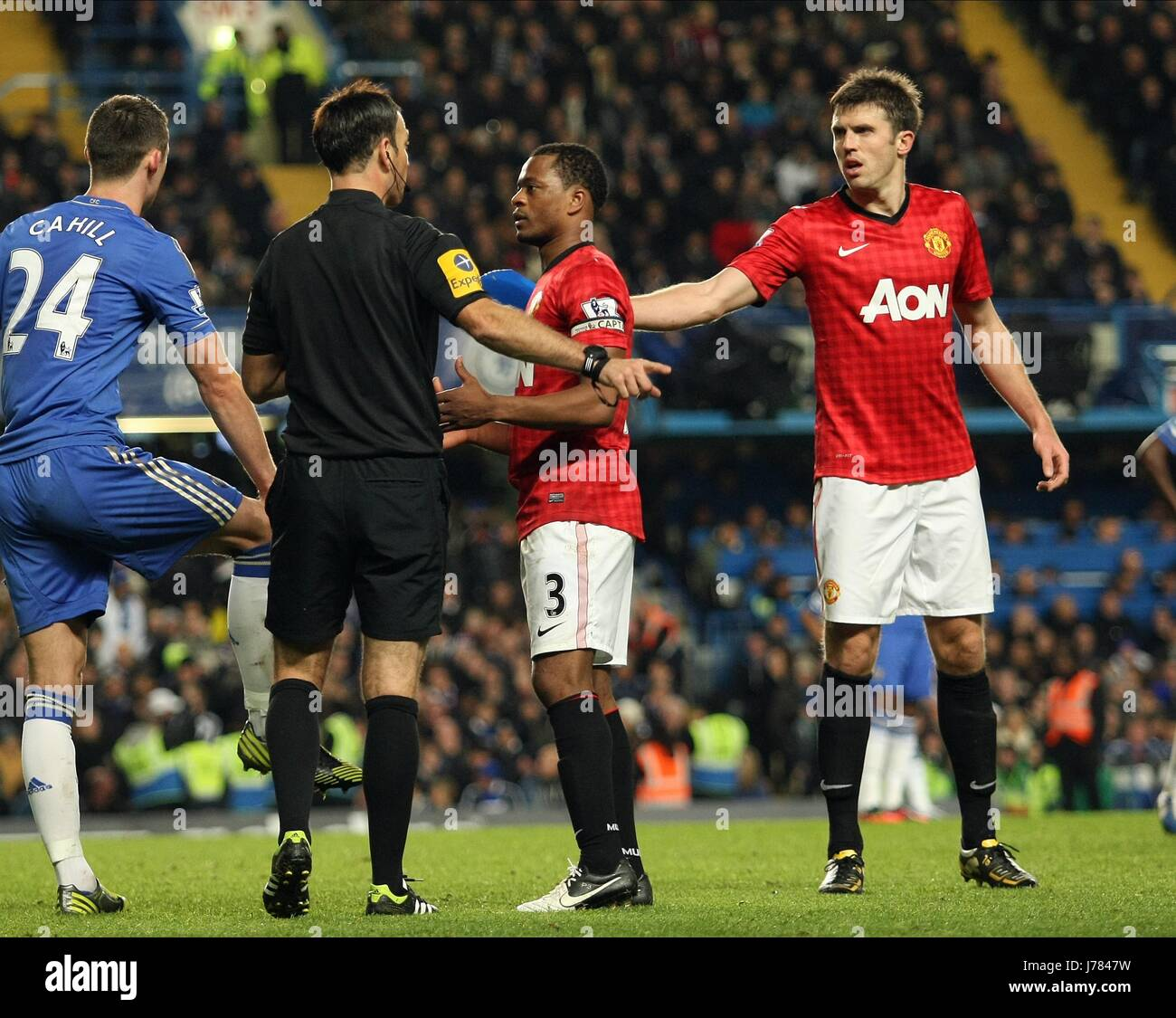ec1be9a0da7 MICHAEL CARRICK SHOWS SEAT BAC CHELSEA V MANCHESTER UNITED LONDON ENGLAND  UK 28 October 2012 -