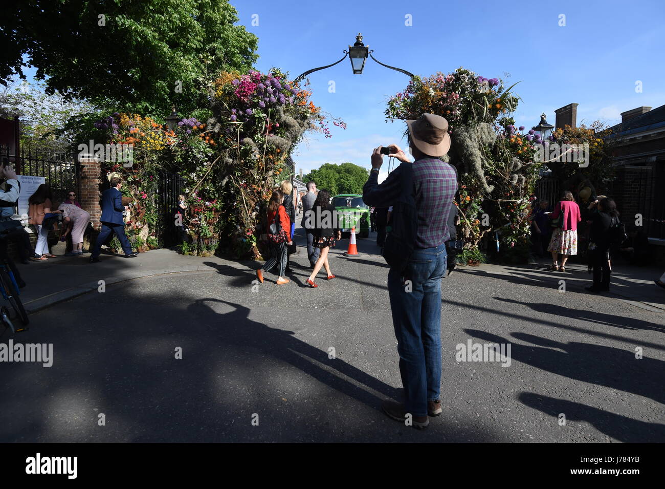 Visitors at the RHS Chelsea Flower Show at the Royal Hospital Chelsea, London. Stock Photo